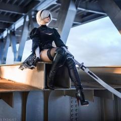 nier-automata-cosplay-by-fenixfatalist-4