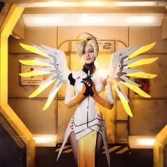 mercy-overwatch-cosplay-5