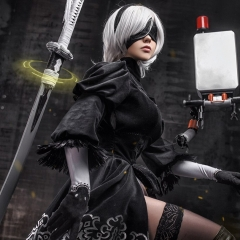 nier-automata-cosplay-by-fenixfatalist-3