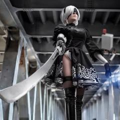 nier-automata-cosplay-by-fenixfatalist-5