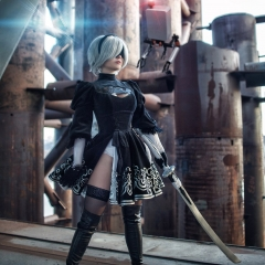 nier-automata-cosplay-by-fenixfatalist-6