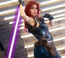 Star Wars Mara Jade Cosplay from Queen Azshara