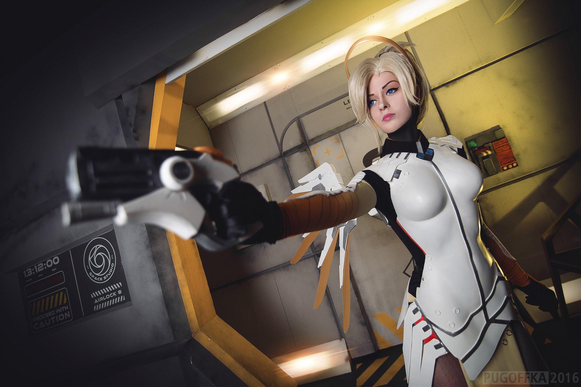 Amazing Mercy Overwatch Cosplay